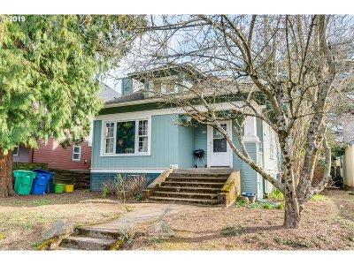 Single Family Home For Sale: 6310 SE Carlton St