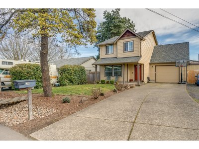 Dundee Single Family Home For Sale: 841 SE Maple St