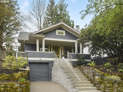 Single Family Home For Sale: 3914 SE Ash St
