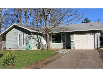 St. Helens Single Family Home For Sale: 364 N 4th St