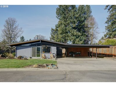 Sublimity Single Family Home Bumpable Buyer: 415 SE Clay St