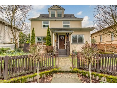 Portland Single Family Home For Sale: 8065 SE 16th Ave