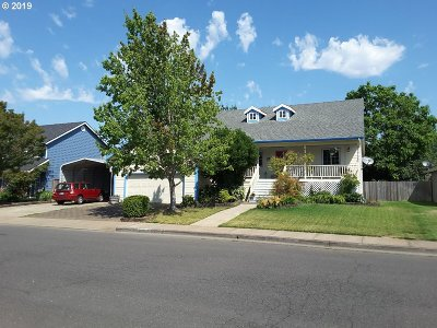 Monmouth Single Family Home For Sale: 1370 E Bentley St