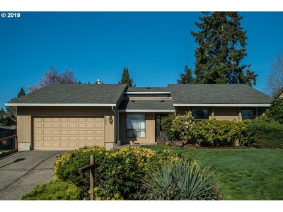 Tigard Single Family Home For Sale: 13805 SW 118th Ct
