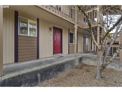 Forest Grove Condo/Townhouse For Sale: 3404 19th Ave