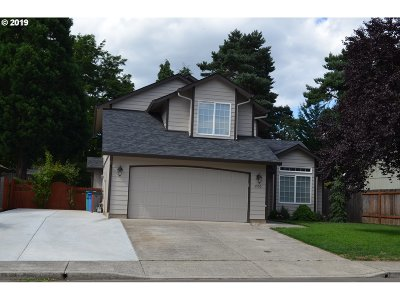 Single Family Home Bumpable Buyer: 6906 NE 69th St
