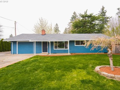 Hillsboro Single Family Home For Sale: 693 N 1st Ave