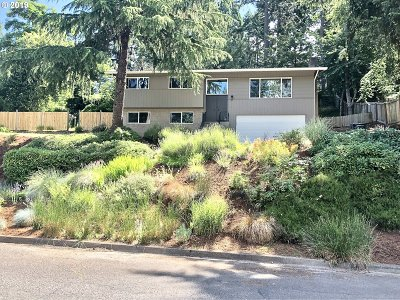 Eugene Single Family Home For Sale: 5225 Saratoga St
