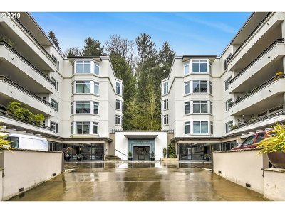 Portland Condo/Townhouse For Sale: 2445 NW Westover Rd #101