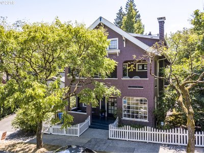 Portland Single Family Home For Sale: 7006 SW Virginia Ave