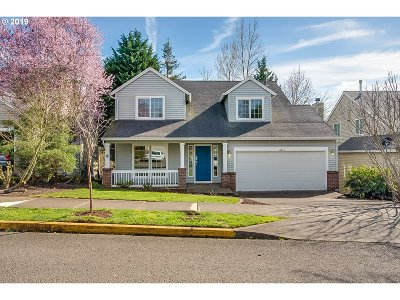 Clackamas OR Single Family Home For Sale: $433,000