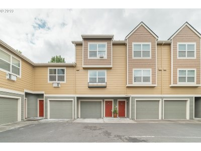 Clark County Condo/Townhouse For Sale: 1719 SE Cutter Ln