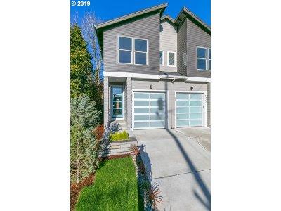 Clackamas County, Multnomah County, Washington County Multi Family Home For Sale: 5413 NE Flanders St