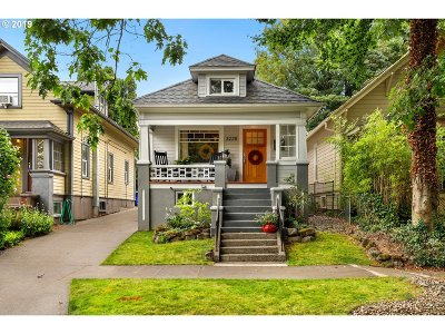 Portland Single Family Home For Sale: 3228 SE 24th Ave