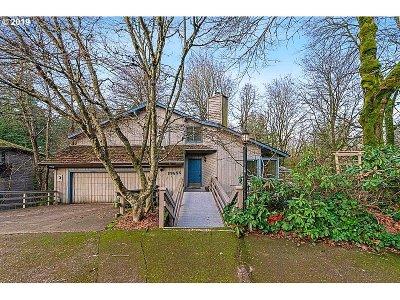 West Linn Single Family Home For Sale: 19655 Sun Cir