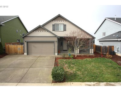 Molalla Single Family Home For Sale: 686 June Dr