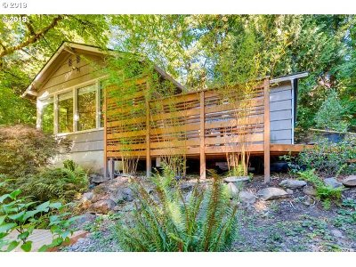 Single Family Home For Sale: 10750 SW Boones Ferry Rd