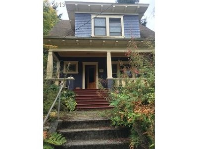 Portland Single Family Home For Sale: 3724 SE Clinton St