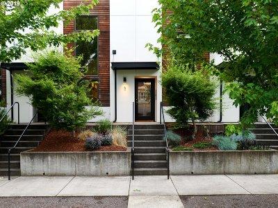 Condo/Townhouse For Sale: 5 NE Wygant St #5