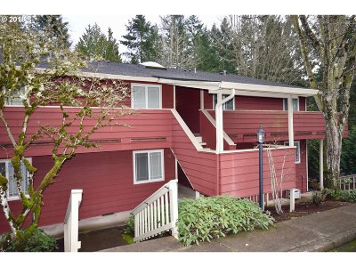 Wilsonville, Canby, Aurora Condo/Townhouse For Sale: 29700 SW Courtside Dr #26