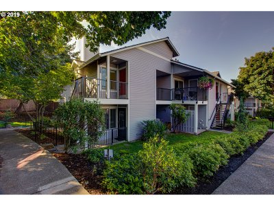 Lake Oswego OR Condo/Townhouse For Sale: $219,000