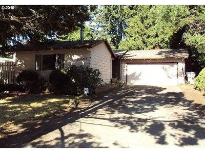 Tigard Single Family Home For Sale: 9700 SW Darmel Ct