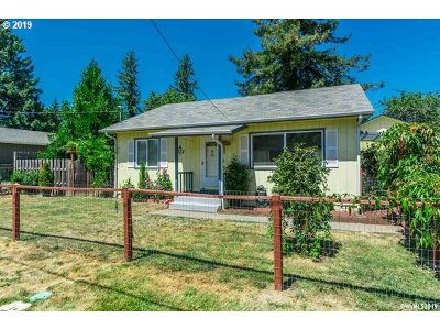 Sweet Home Single Family Home Pending: 1332 Quince St