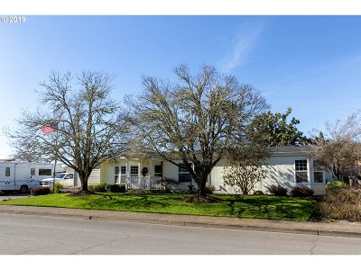 Springfield Single Family Home For Sale: 1238 S 58th St
