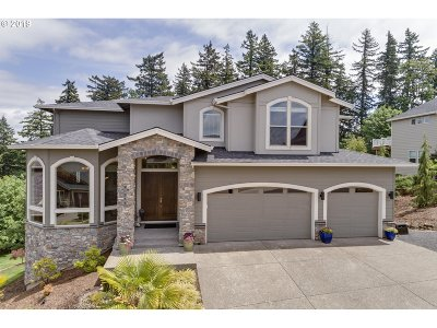 Happy Valley Single Family Home For Sale: 13756 SE Mountain Crest Dr