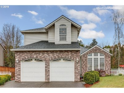 Newberg Single Family Home For Sale: 2109 Nugget Ln