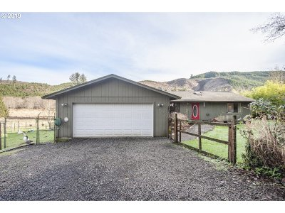 Lincoln City Single Family Home For Sale: 6238 S Immonen Rd