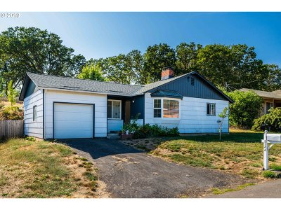 Roseburg Single Family Home For Sale: 3146 Hughes St