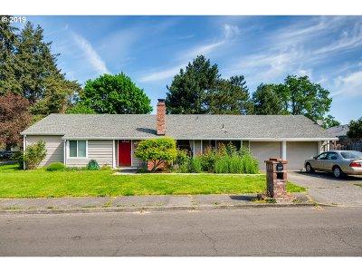 Aloha Single Family Home For Sale: 18775 SW Shelly St