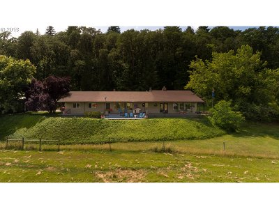 McMinnville Single Family Home For Sale: 15204 SW Muddy Valley Rd