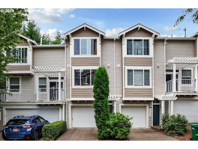 Tigard Condo/Townhouse For Sale: 14130 SW Barrows Rd #2