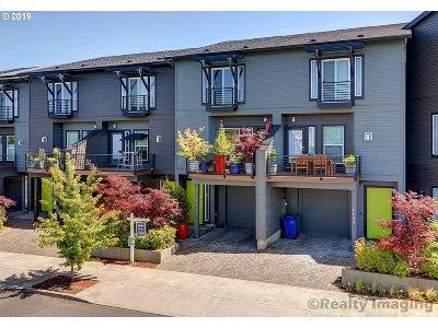 Single Family Home For Sale: 6044 NE Grand Ave