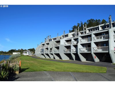 Gold Beach OR Condo/Townhouse For Sale: $170,000