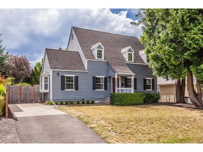 Portland Single Family Home For Sale: 8215 SW 7th Ave
