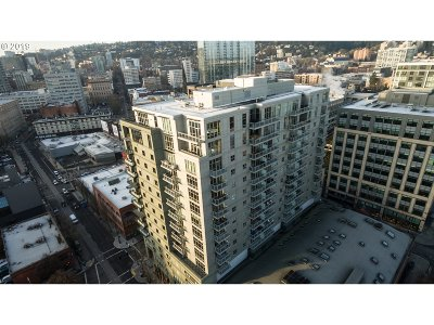 Portland Condo/Townhouse For Sale: 1025 NW Couch St #620