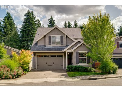 Portland Single Family Home For Sale: 9584 NW Ember Ln