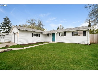 Tigard Single Family Home For Sale: 12450 SW Bell Ct