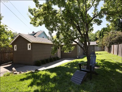 Portland Single Family Home For Sale: 4415 SE 56th Ave