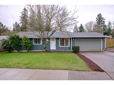 Beaverton Single Family Home For Sale: 12810 SW Barberry Dr