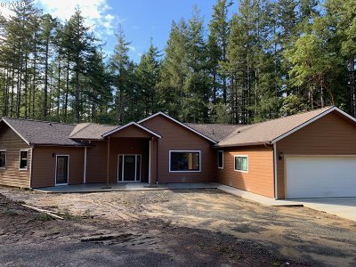 Bandon Single Family Home For Sale: 89049 Sunny Loop Ln