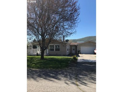 Baker County Single Family Home For Sale: 3615 Broadway St