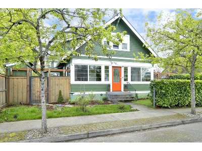 Single Family Home For Sale: 7902 SE Mitchell St