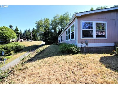 Coos Bay Single Family Home For Sale: 93720 Adams Ln