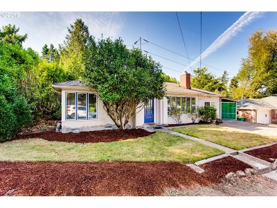 Tigard Single Family Home For Sale: 6614 SW Pine St