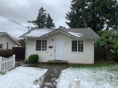 Portland OR Single Family Home For Sale: $229,000