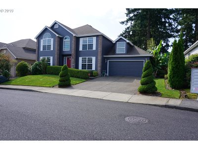 Clackamas OR Single Family Home For Sale: $475,000